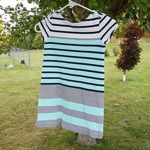Gap size 6-7 striped short sleeve dress